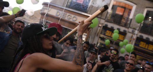 Manifestation pour la légalisation du cannabis en espagne, en mai 2018   PIERRE-PHILIPPE MARCOU / AFP