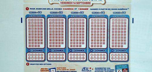 """Le ticket de loterie """"Mission patrimoine"""" est vendu trois euros. FRANCOIS GUILLOT / AFP"""
