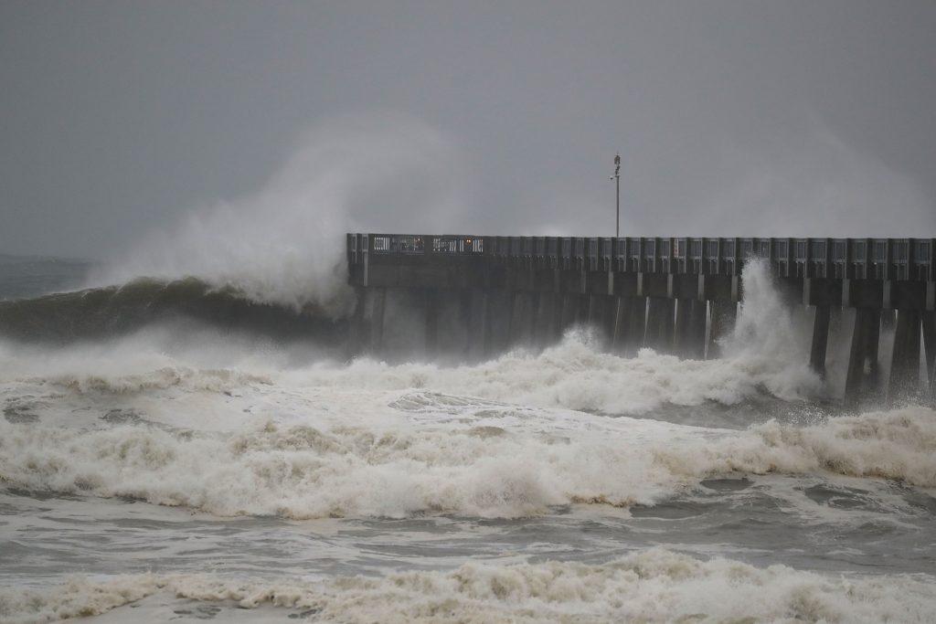 L'ouragan pourrait provoquer une montée des eaux de 4 mètres à certains endroits -Images/AFP