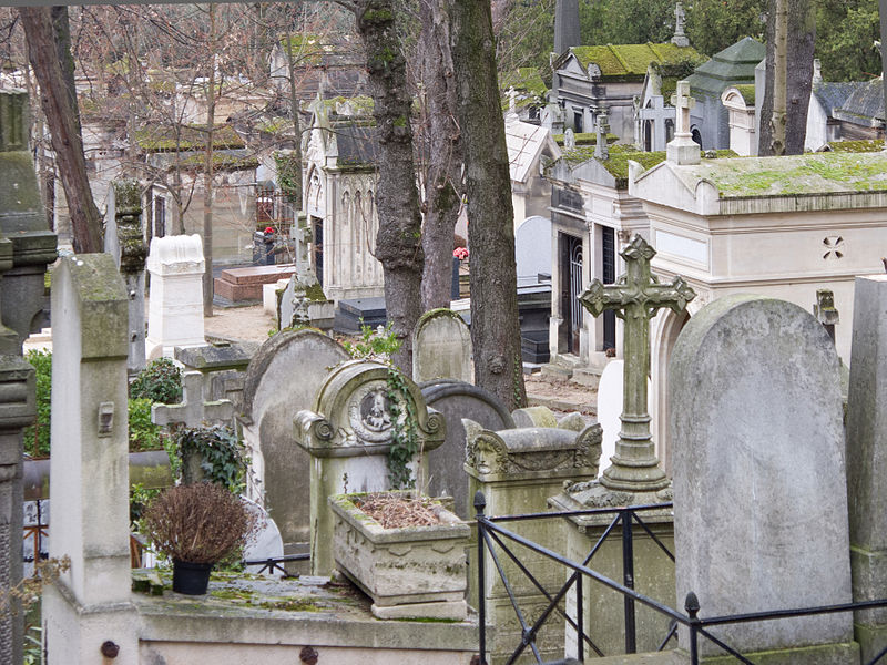 Le cimetière du Père-Lachaise dans le 20e arrondissement arrive à saturation, selon un rapport de la chambre régionale des comptes publié début octobre. Crédits : Carlos Delgado