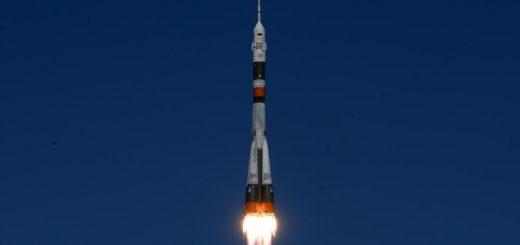 La fusée Soyouz décolle depuis Baïkonur, au Kazakhstan, le 11 octobre 2018. Crédits : Kirill KUDRYAVTSEV / AFP